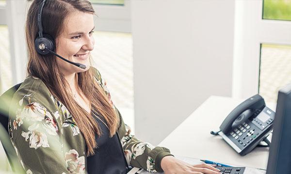 Unser geschultes Kundenservice Team hilft Ihren Kunden